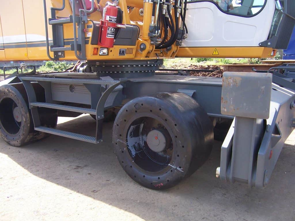 solid tyres for material handler; super single solid tyres