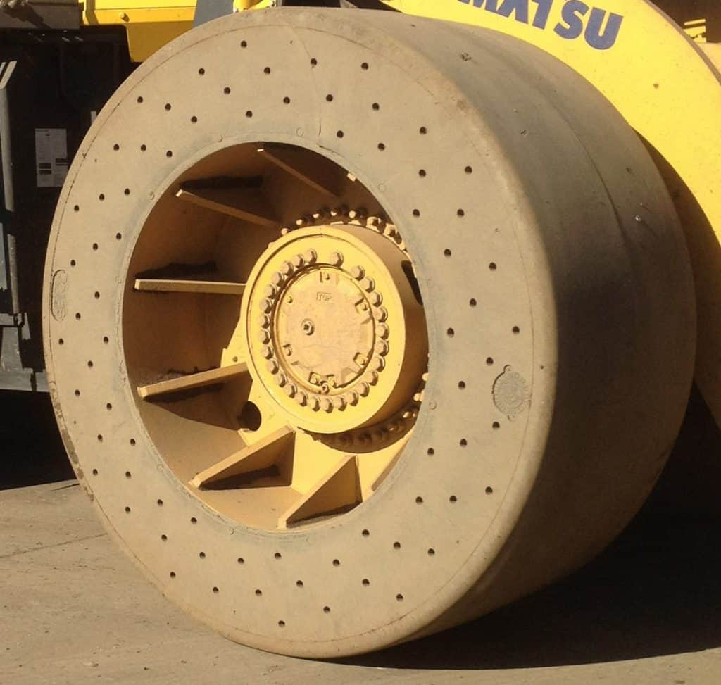 vented solid tyre; heavy duty solid tyre; high load solid tyre